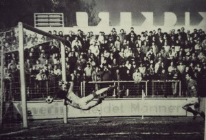 23.3.1985, Claus Reitmeier pariert einen Heidingsfelder Torschuss